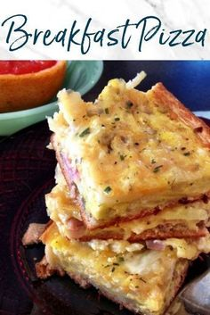 This Breakfast Pizza recipe is perfect for brunch and long weekends. Using prepa… This Breakfast Pizza recipe is perfect for brunch and long weekends. Using prepared dough, this easy breakfast dish is great to make for a crowd. What's For Breakfast, Breakfast Items, Breakfast Dishes, Egg Dishes For Brunch, Breakfast Recipes With Eggs, Yummy Breakfast Ideas, Chicken Breakfast Recipes, Breakfast Appetizers, Southern Breakfast