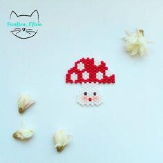 C'est pas de saison, mais j'avais envie d'un champignon. Celui qui perle, celui qui décide !  #jenfiledesperlesetjassume #miyukibeads #miyuki #brickstitch #champignon #mushrooms #perleaddict #perles #motifpauline_eline