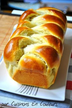 Brioche Tressée - Cuisinons En Couleurs - Expolore the best and the special ideas about French recipes Bread And Pastries, Cooking Chef, Cooking Recipes, Budget Cooking, Cooking Videos, Cooking Tips, Breakfast And Brunch, Brioche Bread, Challah
