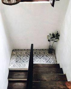 Original e inspirador uso de #azulejos hidráulicos.