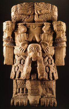 Aztec statue of Coatlicue Ancient Art, Ancient History, Art History, Ancient Aliens, Aztec Empire, Aztec Culture, Aztec Art, Anthropologie, Indigenous Art