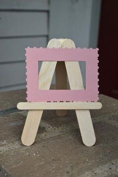 ikat bag: Popsicle Stick Crafts II- Easels and Mini-Museum Kit by joanne Popsicle Stick Picture Frame, Popsicle Stick Art, Popsicle Stick Crafts, Craft Stick Crafts, Craft Kits, Craft Ideas, Crafts For Teens To Make, Crafts To Sell, Easy Crafts