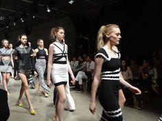 FASHION DAY IN - Grifes de luxo apresentam Verão 2014 - Notícias - Guia JeansWear : O Portal do Jeans