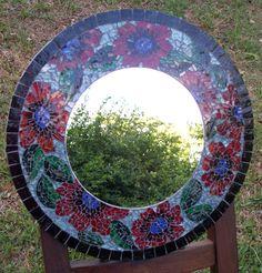 Vidrio reciclado pintado con marco de venecitas Humor Vitreo's recicled tempered glass mirror