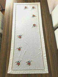 Rugs, Home Decor, Crochet Stitches, Dots, Farmhouse Rugs, Decoration Home, Room Decor, Home Interior Design, Rug