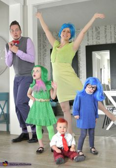 Disney Costumes insidie out family costumes - Click through a list of 35 DIY fun family Halloween Costumes! Don't break the bank on Halloween, use your imagination and inspiration from these pictures! Disney Halloween Costumes, Halloween Costume Contest, Cute Costumes, Halloween Kids, Halloween Party, Costume Ideas, Family Themed Halloween Costumes, Disney Family Costumes, Incredibles Costume Family