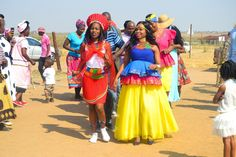 pedi traditional wedding attire is colourful and beautiful. Watch Precious in her Sipedi wedding gown for her wedding in Limpopo. Sepedi Traditional Dresses, South African Traditional Dresses, Traditional Wedding Attire, Traditional Fashion, African Dresses For Women, African Attire, African Print Wedding Dress, Gorgeous Wedding Dress, Designer Wedding Dresses