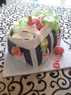 BABY SHOWER~Diaper Bag Cake