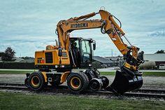 MX20 vejer som basismaskine 21 tons, og forskellen er først og fremmest ekstra kontravægt. Pressefoto.