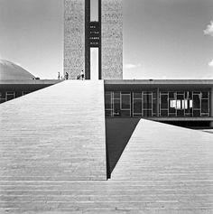 Palais du Congrès National, Brasília vers 1960. Tirage contemporain gélatino-argentique © Marcel Gautherot / Courtesy of Instituto Moreira Salles