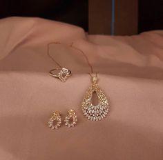 Gold Jewelry Simple, Delicate Jewelry, Stylish Jewelry, Pinterest Jewelry, Bollywood Jewelry, Gold Jewellery Design, Jewelry Patterns, Bridal Jewelry, Aldo Jewelry