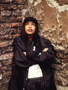 Can never go wrong with a baggy jacket! #aaliyah#90s