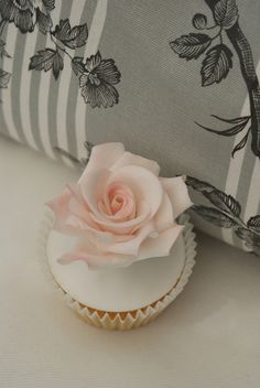 Pink rose cupcake by Icing Bliss, via Flickr