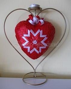červeno-biele srdce 15 cm so stojanom