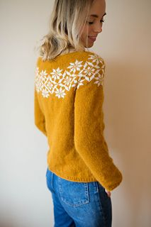 Ravelry: Signe sweater / Signegenser pattern by Marianne J. Sweater Knitting Patterns, Cardigan Pattern, Knitting Sweaters, Icelandic Sweaters, Ravelry, Creative Knitting, Merry Christmas, Cool Style, My Style