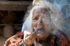 Qual é a fórmula da juventude? Essa semana, conhecemos a teoria da mulher mais velha do mundo, q...