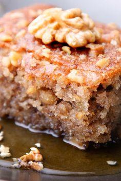 Walnut Cake with Warm Vanilla Honey Sauce Recipe from The Just Desserts Kitchen 13 Desserts, Greek Desserts, Greek Recipes, Greek Sweets, Food Cakes, Cupcake Cakes, Cupcakes, Snack Cakes, Honey Sauce