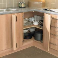 instead of the lazy susan cabinet. f02324224fcdd29cf5c0a9ceeb99f09b.jpg (351×351)