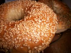 Authentic New York-Style Homemade Bagels Recipe Sesame Seed Bagels, Sesame Bagel, Jewish Recipes, Ny Bagel, New York Bagel, Authentic Bagel Recipe, Pretzel Roll Recipe, Vegan Recipes, Breads