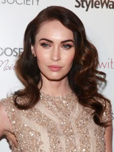 Megan Fox and 9 other celebs with waves we covet. Short Curly Hairstyles For Women, Long Curly Hair, Trendy Hairstyles, Curly Hair Styles, Golden Brown Hair Color, Brown Hair Colors, Hair Colours, Hair Cuts Oval Face, Finger Wave Hair