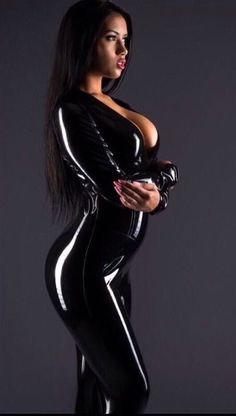 Sexy busty brunette in black latex catsuit Latex Babe, Sexy Latex, Leather And Lace, Leather Pants, Sexy Women, Latex Catsuit, Latex Fashion, Belle Photo, Sexy Outfits