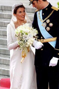 Gerade keine märchenhafte Prinzessinnenhochzeit in Sicht? Kein Hollywoodstar wird stilvoll zum Altar geführt? Kein Problem, schließlich gibt es genug prominente Hochzeiten...