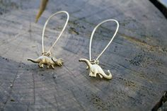 Natural History Dinosaur Earrings von ChristineDomanic auf Etsy, $16,00