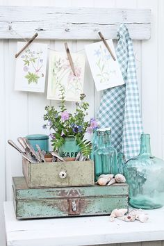 VIBEKE DESIGN: Dager til glede og inspirasjon ! Love the Norwegian Coffee tin & the flower pages hung from a string!