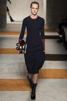 Victoria Beckham Fall/winter 2016 Collection - New York Fashion Week Knit Fashion, High Fashion, Fashion Show, Women's Fashion, Fall Fashion 2016, Autumn Winter Fashion, Fashion Trends, Fall Winter, Victoria Beckham News