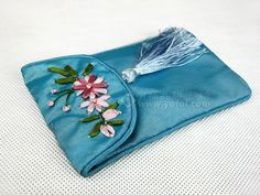 SILK EMBROIDERED PHONE CASE BLUE   chinese embroidery tutorial