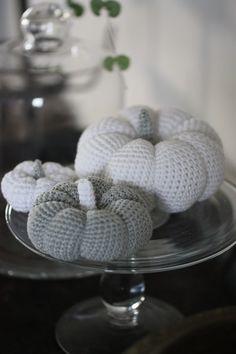 crochet mini pumpkins - #crochet #pumpkin #crafts #decorating #autumn #fall ≈√