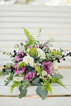 purple and cream bouquet @weddingchicks