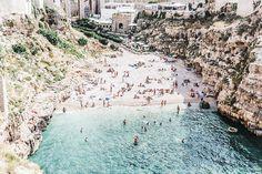 "Polignano a Mare, ""Cala Paura""    Polignano_A_Mare-Cala_Porto-Maje_Swimsuit-Ray_Ban-Floral_Headbanda-Claires_Bracelet-Swimwear-Italy_Road_Trip-30"