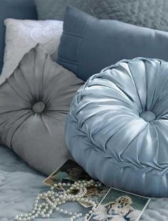 Silk cushions - Give your room the Hollywood treatment with buttoned silk cushions in classic shapes. Decoration Gris, French Blue, Blue Bedroom, Dusty Blue, Color Themes, Shades Of Blue, Soft Furnishings, Boudoir, Bean Bag Chair
