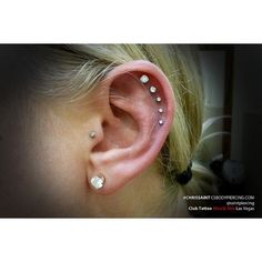 Awesome cartilage and tragus piercings! 5 Ear Piercings by Chris Saint Cartilage Piercing Stud, Ear Peircings, Cartilage Earrings, Piercing Tattoo, Stud Earrings, Unique Ear Piercings, Piercings For Girls, Body Piercings, Et Tattoo