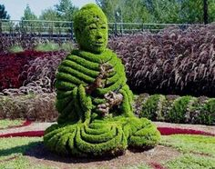 Creative Green Garden Sculptures