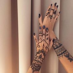 Elegant Hand Designs by Veronica Krasovska