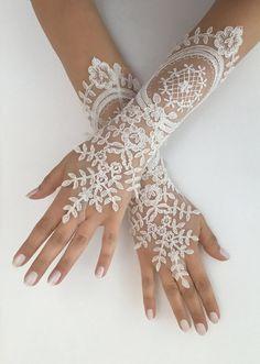 Bride Gloves, Wedding Gloves, Lace Gloves, Fingerless Gloves, Dress Gloves, Barefoot Sandals Wedding, Bridal Sandals, Ivory Wedding, Lace Weddings