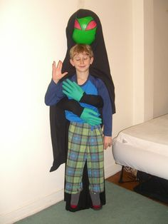 cool homemade halloween costumes how to make an alien abduction costume - Aliens Halloween Costume Baby