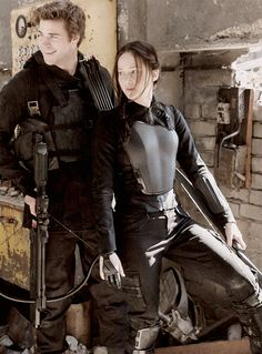 Katniss+Everdeen+and+Gale+Hawthorne | Katniss Everdeen and Gale Hawthorne in Mockingjay Part 1