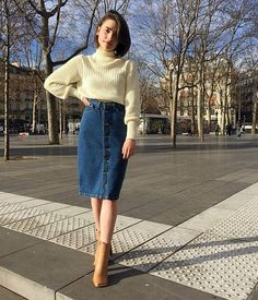 Midi Jeans Skirt: 25 Inspirations to Start Wearing This Item Today! - Midi Jeans Skirt: 25 Inspirations to Start Wearing This Item Today! American Apparel, Classy Outfits, Casual Outfits, Beautiful Outfits, Jeans Casual, Cute Modest Outfits, Modest Fashion, Fashion Outfits, Fashion Jeans