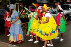 Tsonga Wedding Ceremony and Tsonga Traditional wedding. Take a look at the Tsonga people and their lobola and traditional weddig Tsonga Traditional Dresses, South African Traditional Dresses, Traditional Wedding Dresses, Traditional Outfits, Traditional Weddings, Traditional Styles, African Fashion Designers, African Men Fashion, Africa Fashion