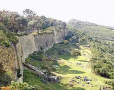 Kuelap is a walled city associated with the Chachapoyas culture (Peru) built in 6th century AD.