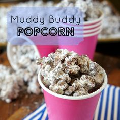 Who doesn't love Muddy Buddies? It's the combination of creamy peanut butter and melty chocolate drizzled all over Chex cereal, then coated with a nice helping of powdered sugar. This Muddy Buddy Popcorn might even be better than the original. Popcorn Recipes, Snack Recipes, Dessert Recipes, Popcorn Snacks, Quick Dessert, Flavored Popcorn, Gourmet Popcorn, Candy Recipes, Dessert Ideas