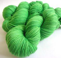 Merino Pur 150 handgefärbt: Shades maigrün von lakeside-wolle auf DaWanda.com