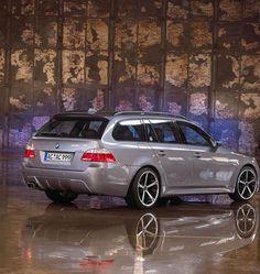 BMW 5 Series Touring (E61) price - http://autotras.com