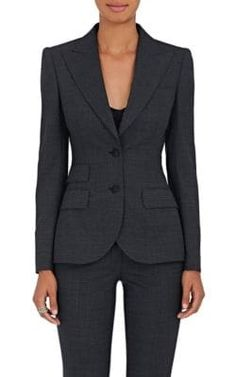 Dolce & Gabbana Wool-blend Two-button Blazer In Dark Gray Business Professional Outfits, Business Casual Attire, Business Fashion, Business Suits, Professional Women, Business Formal Women, Simple Work Outfits, Office Outfits Women, Curvy Petite Fashion