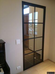 Stalen ramen en metalen binnenschrijnwerk - Stalen deur, smeedijzeren deur en metalen deuren   Metaal op Maat B & B, Divider, Sweet Home, Room, Furniture, Home Decor, Home, Bedroom, Decoration Home