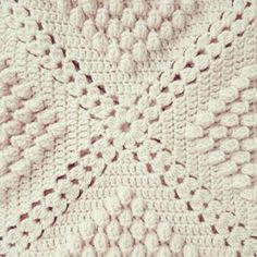 ByHaafner, crochet, popcorn, bobble stitch throw, (leave out popcorn stitch for classic throw) Popcorn Blanket * Link to pattern Haafner shares a free crochet blanket pattern by Barbara Cooper-Wolfe Many popcorn granny square blankets have been made but I Vintage Crochet Patterns, Crochet Motifs, Crochet Blocks, Afghan Crochet Patterns, Crochet Squares, Crochet Stitches, Crochet Afghans, Crochet Blankets, Granny Squares