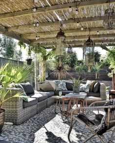 6 x garden inspiration with the most beautiful gardens - . 6 x garden inspiration with the most beautiful gardens - beautiful # gardens # garden inspiration Alway. Outdoor Rooms, Outdoor Living, Outdoor Decor, Backyard Pergola, Backyard Landscaping, Pergola Kits, Landscaping Ideas, Pergola Designs, Patio Design